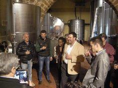 Delegazione americana in cantina, degustazione direttamente dalle cisterne e dalle barriques dei vini della nuova annata. Ottimo gradimento!