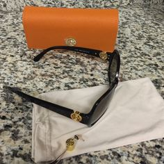 Tory burch sunglasses New never used Tory Burch Accessories Glasses