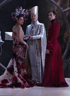 Space Fashion, Fashion Tv, Fashion Outfits, Jupiter Film, Jupiter Jones, Jupiter Ascending, Beautiful Costumes, Movie Costumes, Fantasy Makeup