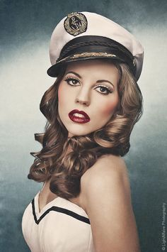 Retro Boudoir Makeup   Oh my God. @Amber Rhodes-Lapoint this is beautiful makeup.