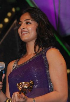 Anushka Shetty Beautiful Photos In Violet Saree - Anushka Shetty
