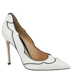 White pumps from Gianvito Rossi. Autumn winter 2014. www.wunderl.com