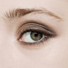 subtle brown smokey eye