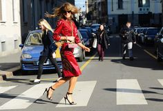 And stop. Shimmy time. Boom chaka laka. #AnnaDelloRusso dat you? Having a #FarrahFawcett moment at #MFW
