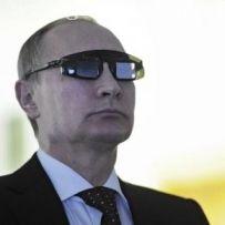 Vladimir Putin avrebbe intrecciato degli accordi con gli alieni per impadronirsi della tecnologia delle loro armi.