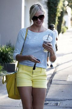 Cameron Diaz in sunny yellow with matching bag.... my look for next summer.... bring on the next 4 months....