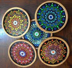 Resultado de imagen para puntillismo en madera Mandala Painting, Dot Painting, Stone Painting, Mandala Doodle, Mandala Art, Mandela Stones, Decoupage, Arts And Crafts, Diy Crafts