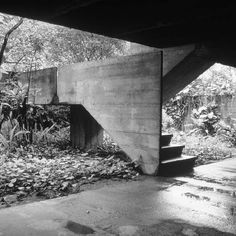 Backyard Landscaping – An Important Area To Landscape Concrete Architecture, Space Architecture, Amazing Architecture, Architecture Details, Stair Handrail, Brutalist, Stairways, Interior And Exterior, Exterior Stairs