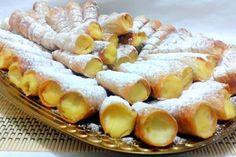 Desert rulouri umplute cu crema de vanilie Romanian Desserts, Romanian Food, Cookie Recipes, Dessert Recipes, Good Food, Yummy Food, Cake Cookies, Afternoon Tea, Delicious Desserts