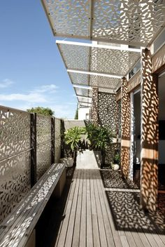 Yan Lane is an award winning, mixed use, multiple residential architectural project in Melbourne, Australia undertaken by Justin Mallia architecture. Garage Pergola, Deck With Pergola, Covered Pergola, Pergola Patio, Pergola Kits, Backyard, Architecture Details, Interior Architecture, Outdoor Spaces