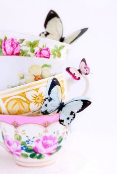 My Tea Party / art as life on We Heart It Teapots And Cups, My Cup Of Tea, Vintage China, Vintage Cups, High Tea, Afternoon Tea, Afternoon Delight, Tea Set, Tea Time