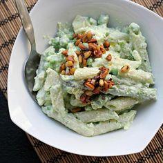 Penne ar jogurtu, pupiņām un čili http://joanne-eatswellwithothers.com/2013/05/recipe-pasta-with-yogurt-peas-and-chile.html