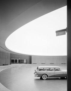 Photo by Ezra Stoller - General Motors Technical Center, Eero Saarinen, Warren, MI, 1950 Eero Saarinen, General Motors, Frank Lloyd Wright, Luigi Snozzi, Style International, Modernisme, Chicago, Photography Exhibition, Architectural Photographers