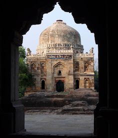 India: Lodhi Garden in Delhi- tombs and blooms. | Minor Sights