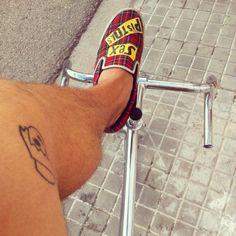 #fashion #urbanbrand #streetwear #urbanfashion #draven #punk #sexpistols #fixie #singlespeed #playmobil #tattoos #manwithtattoos