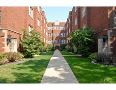 240 S. Maple Ave #3W, Oak Park IL 60302 - 2 bedroom vintage condo sold by The Pych Team in 2013