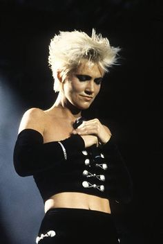 Marie (roxette) rocks! - Listen to your heart - http://www.youtube.com/watch?v=yCC_b5WHLX0