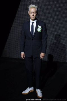 T.O.P at Dior Fashion Week in Paris 160124 - BIGBANG LIVE