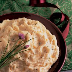 Garlic Mashed Potatoes (looks very good) can be made just before serving or up to a day ahead. The garlic adds just enough flavor to make them special! Best Garlic Mashed Potatoes, Christmas Dinner Sides, Soup Starter, Dinner Entrees, Recipe Instructions, Learn To Cook, Potato Recipes, Cooking Recipes, Easy Recipes