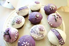 Vintage Purple Wedding Cupcake