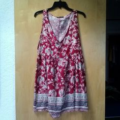 Honey Punch Red Floral Paisley Print Deep V Dress Honey Punch brand from Urban Outfitters, size small, in excellent condition! This dress has uniquely cut features including a deep v neck, circle cut out at lower back, and deep side torso slits. Print is a red paisley floral. Only sign of wear is on size tag. Please ask any and all questions before purchasing. No trades. Make a reasonable offer. Thanks! Honey Punch Dresses Mini