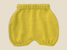 A vos aiguilles !: Culotte rétro - Knitting And Crocheting Knitting For Kids, Baby Knitting Patterns, Crochet Bebe, Knit Crochet, Tricot Baby, Cullottes, Culotte Shorts, Retro, Baby Couture