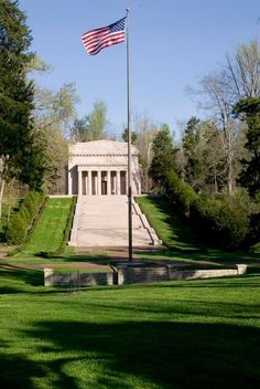 Abraham Lincoln Birthplace National Historic Park, Hodgenville ky my grandkids like going up & down these steps Fort Knox Kentucky, My Old Kentucky Home, Louisville Kentucky, Bardstown Kentucky, Barbados, Jamaica, Great Places, Places To Go, Beautiful Places