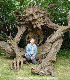 Kim Graham and a group of volunteers finished a very large Paper Mache sculpture of a wonderful, benign Troll. I love the idea of a benign troll. Paper Mache Tree, Wow Art, Belle Photo, Garden Art, Tree Garden, Garden Ideas, Indoor Garden, Amazing Art, Amazing Things