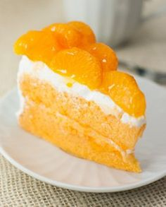 Orange Dream Cake from Zoye Premium Vegetable Oil is a light, fruity dessert recipe that is perfect for those hot summer days. Best Dinner Recipes, Healthy Dessert Recipes, Delicious Desserts, Yummy Food, Orange Dream Cake, Light Desserts, Cake Mix Recipes, Le Diner, Take The Cake