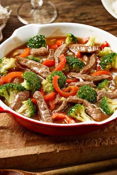 Scharfe Rinder-Gemüse-Pfanne Light focus on the plate wanted? Try beef chopped with lots of vegetables and ginger! Healthy Diet Tips, Diet And Nutrition, Healthy Dinner Recipes, Meat Recipes, Asian Recipes, Ethnic Recipes, Easy Cooking, Healthy Cooking, Salat Al Fajr