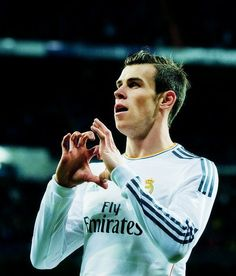 I'll give you my heart Garet Bale, Real Madrid 11, Bale 11, Bale Real, Arsenal Soccer, Uefa Super Cup, Madrid Football, Association Football, Sport Icon