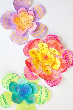These giant 3D flowers are easy to make from paper plates! This is 1 of 12 Awesome Watercolor Art Activities for Kids (with free printable guide) Crafts For Kids To Make, Easter Crafts For Kids, Projects For Kids, Art For Kids, Kid Crafts, Art Projects, Watercolor Circles, Watercolor Paint Set, Watercolor Projects