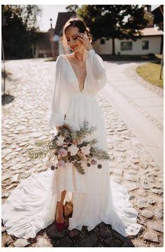 Beige Wedding Dress, Chiffon Wedding Gowns, Boho Wedding Gown, Making A Wedding Dress, Simple Wedding Gowns, V Neck Wedding Dress, Fall Wedding Dresses, Wedding Dresses Plus Size, Chiffon Dress
