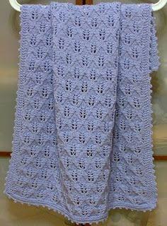 filoturchino: Copertina azzurra con foglie Baby Knitting Patterns, Free Knitting, Fillet Crochet, Manta Crochet, Drops Design, Baby Blanket Crochet, Crochet Stitches, Baby Love, Lana