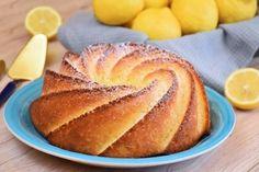 Ciambellone 12 cucchiai al limone - Fidelity Cucina Chiffon Cake, Christmas Treats, No Bake Desserts, Biscotti, Cornbread, Bakery, Food And Drink, Cooking Recipes, Sweets