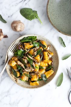 Sweet potato gnocchi, crispy sage and shiitake. Healthy Meals To Cook, Healthy Eating, Healthy Food, Vegetarian Cooking, Vegetarian Recipes, Vegan Food, Sweet Potato Gnocchi, Organic Recipes, Ethnic Recipes