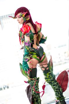 Zyra - League of Legends, I feel like it would be difficult to cosplay her %100 but this is pretty dang good!!
