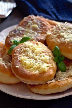 Bagel, Food Art, Baked Potato, Hamburger, Pizza, Lunch, Baking, Ethnic Recipes, Brot