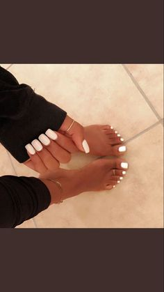 Simple White Toe Nails Ideas nails nail toenails beauty is part of Christmas nails Almond Sea Salt - Christmas nails Almond Sea Salt Toe Nail Color, Nail Colors, Nails Summer Colors, Aycrlic Nails, Hair And Nails, Gel Toe Nails, Sexy Nails, Cure Nails, Toenails