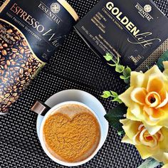 muito amor envolvido nessa combinação perfeita!  Espresso Whey + Golden Lift 🧡 Whey Protein Supplement, Protein Supplements, Espresso, Milk And Pepper, Cinnamon Extract, Curry, Golden Milk, Coconut Milk, Nutrition