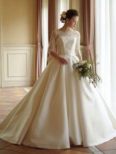 ミカドサテンウェディングドレス 長袖のウェディングドレス