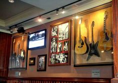 Travel, Holidays and Good Food. Madrid, Hard Rock Cafe. Maps