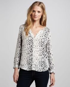Black & White Blouse: Love it
