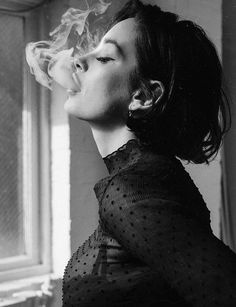 White Aesthetic Photography, Smoke Photography, People Photography, Women Smoking, Girl Smoking, Taylor Lashae, Photoshoot Themes, Aesthetic Women, Portraits