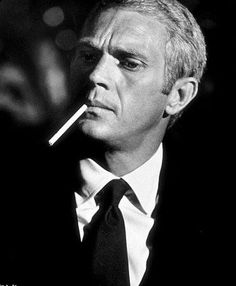 Steve McQueen in The Thomas Crown Affair Steven Mcqueen, Estilo Fashion, Look Fashion, Classic Hollywood, Old Hollywood, Hollywood Photo, William Claxton, Thomas Crown Affair, Tv Star