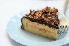 Daim Cake - masam manis Chocolate Hazelnut, Chocolate Cake, Daim Cake, Tiramisu, Cake Recipes, Cheesecake, Ethnic Recipes, Desserts, Food
