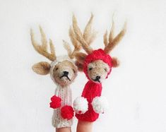Finger Puppet Mobile Needle Felted Red White by LazyAnimals Merry Christmas, Christmas Time, Christmas Crafts, Xmas, Toys For Autistic Children, Vintage Sewing Box, White Reindeer, Special Needs Kids, Finger Puppets