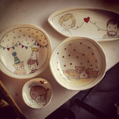 Kids tableware by carole Epp. I love the painting on these items. Ceramic Decor, Ceramic Cups, Ceramic Pottery, Clay Plates, Custom Plates, Pottery Tools, Clay Projects, Cup And Saucer, Dinnerware