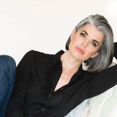 Resultado de imagem para transition to grey hair with highlights