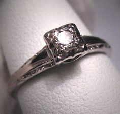 Antique Diamond Wedding Ring Vintage 18K Art Deco Jabel. so beautiful.